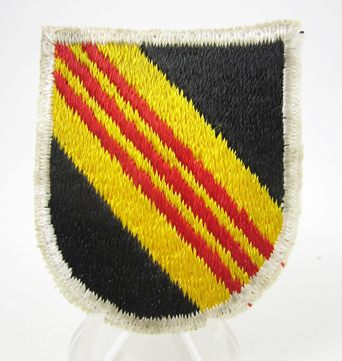 5th Group Beret Flash